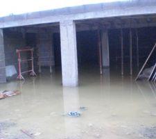 Orage sur garage  20cm 03072008. c'est là que l'on regarde le contrat. le constructeur n'a rien prévu grrrrrrrrrrrrr