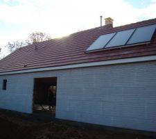 3 capteurs solaire fixation sur couverture non encastre photo en page 2 du recit