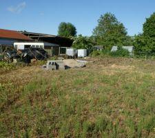Vue de l'emplacement de l'abri de jardin