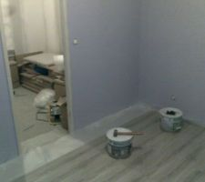 Notre chambre, sol en cours