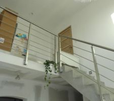 L'escalier, pas encore habillé