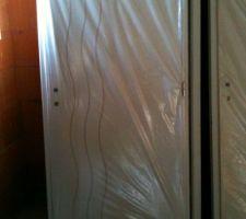 La porte de la salle d'eau de la suite parentale