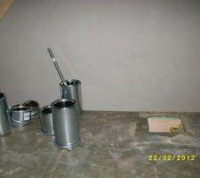 Reste à installer le conduit de cheminée