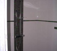 pose de la robineterie de la salle d eau du rdc avec un paumeau de douche de 40 x 40 cm