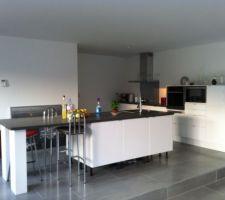 aménagement coin cuisine meubles Ikea electro Siemens et Miele