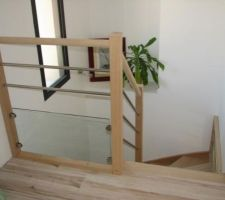 Escalier de marque Oural. Garde corps plexiglas