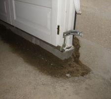 detail de la reprise des appuis de la porte d entree et de la porte fenetre il y avait 16 cm il fallait 13 oups