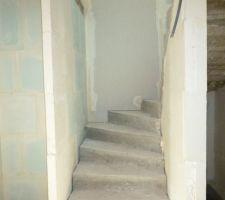 escalier menant a l etage