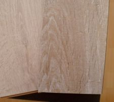 """Notre parquet : Gris foncé """"Chêne relief"""" pour le salon/cuisine/salle à manger Gris clair : tout le reste de la maison"""