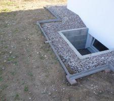 Aménagements extérieurs: Pose d'arrêts pelouse