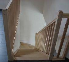 escalier avant vue de l etage