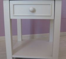 Table de chevet peinte en conforth white