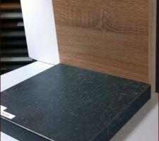 Choix avec facade bois chene et plan de travail griffé gris
