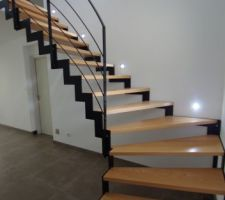escalier spots led allumes
