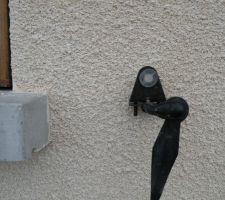 Protection/arrêts pour les volets installés le dimanche 1er juin.