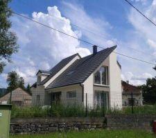 maison contemporaine au bord du canal