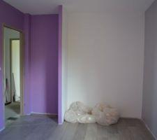 Chambre de notre grande, le pan violet