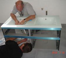 Montage du meuble salle de bain parentale