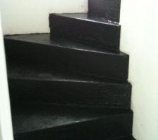 Beton ciré dans l'escalier!