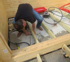 D but du montage bois et les tuiles alouette - Cablette de terre ...