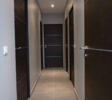 Photos et id es d gagement couloir mur peinture 772 photos - Modele de peinture pour couloir ...