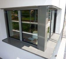 Finition poteau de fenêtre d'angle