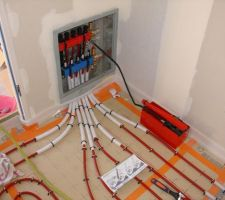 Mise en eau des circuits et pompe d'epreuve branchée.