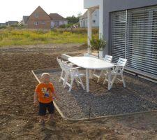 Salon de jardin de la terrasse sud installé