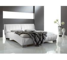 Lit meise omega en blanc qui ressortirait peut etre mieux que le noir sachant que la tete de lit serait place contre le mur noir de notre chambre...Sol stratifie en bouleau blanc.