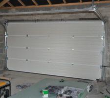 Intérieur de la porte de garage