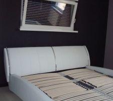 Notre lit est enfin arrivé! manque plus que le matelas...Lit Oméga de Meise acheté à Moebel Braun de Fribourg