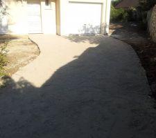 grave ciment pose pour faire propre avant de se decider ce que l on va mettre pave enrobe ou beton lave