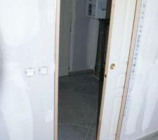 Porte entre cellier et cuisine