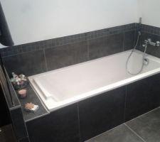 photos et id es salle de bain meubles gris 818 photos. Black Bedroom Furniture Sets. Home Design Ideas