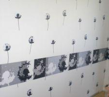 Papier peint avec frise , mur bureau