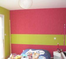 Le mur du lit avant les motifs
