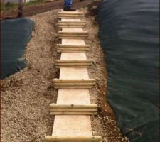 escalier maison avec des dalles de gravions