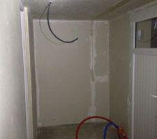 Novembre 2012 : isolation des murs du cellier, par nos soins