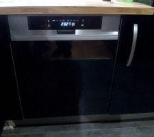 Lave vaisselle DE DIETRICH DVH1150X avec panneau de commande en façade couleur gris aluminium brossé(collection 2012)