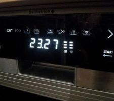 Panneau de commande du lave vaisselle DE DIETRICH DVH1150X avec touches sensitives