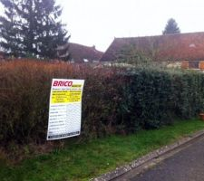 Aujourd'hui 08 janvier 2013, nous avons affiché le panneau du permis de construire. <br /> (le notre en attendant que standing constructions vienne poser le sien)