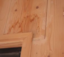 probleme d etancheite a l eau les eaux de pluies ont penetre et imbibe le bois traces de reparation sur les murs