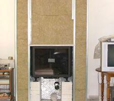 Habillage et isolation de la cheminee pour la pose de la cheminée merci Stephane Mickael David
