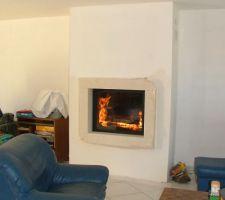 Pose de la pierre et habillage  premier feu ca marche fort cheminée brissac s1 guillotine et latéral