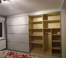 armoire en place et nettoyee reste plus qu a remplir