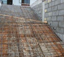 Escalier principal, largeur 3m