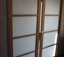 Comment peindre les portes coulissantes qui sont déjà installées.