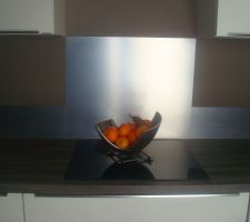 cuisine laquee blanche credence inox