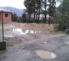 j allais choisir pour illustrer cette photo l etape piscine c est l acces de mon terrain apres des pluies certes intenses