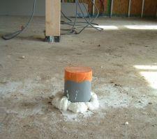 Arrivée d'air frais pour la cheminée (en provenance du garage)